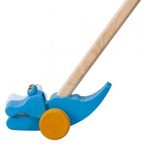 PLAN TOYS Деревянная игрушка Каталка на палочке  Крокодильчик голубой 5159